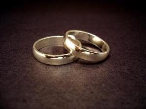 Wedding rings. Licensed CC-BY-2.0 by Jeff Belmonte, via Wikimedia Commons.