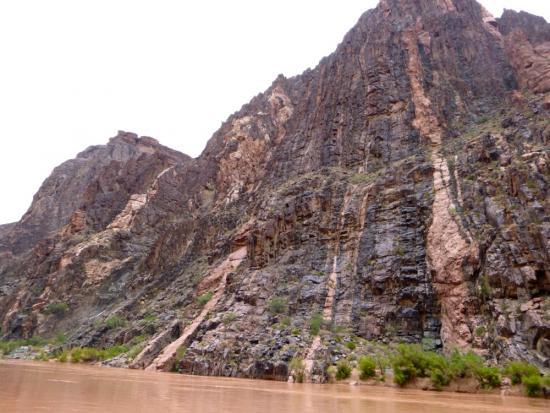 vishnu schist in grand canyon